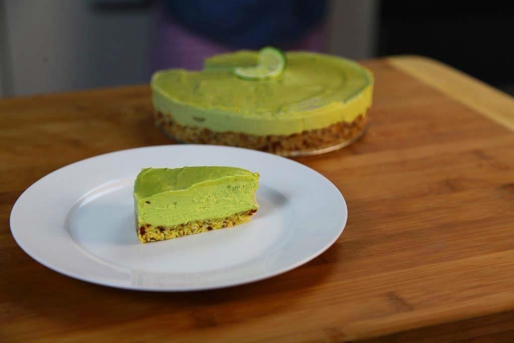 How to Make Raw Vegan Avocado Key Lime Pie
