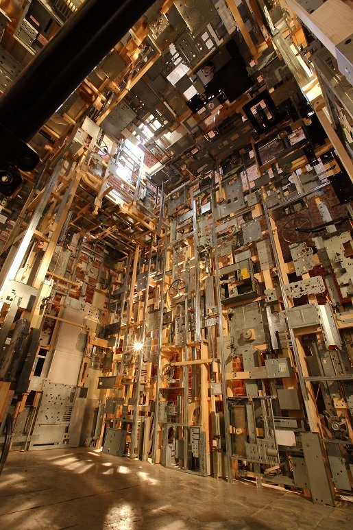 Polish Artist Recycles 300 Dead Computers into Giant Installation