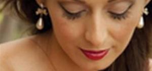 Get a vintage wedding makeup look