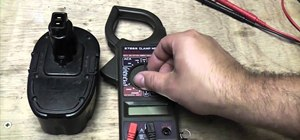 Measure the DC voltage of a circuit with a multimeter
