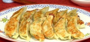 Make Japanese Yaki Gyoza (Fried Dumplings)