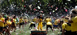 120K Balloons + 4K People = World's Biggest Water Balloon Fight