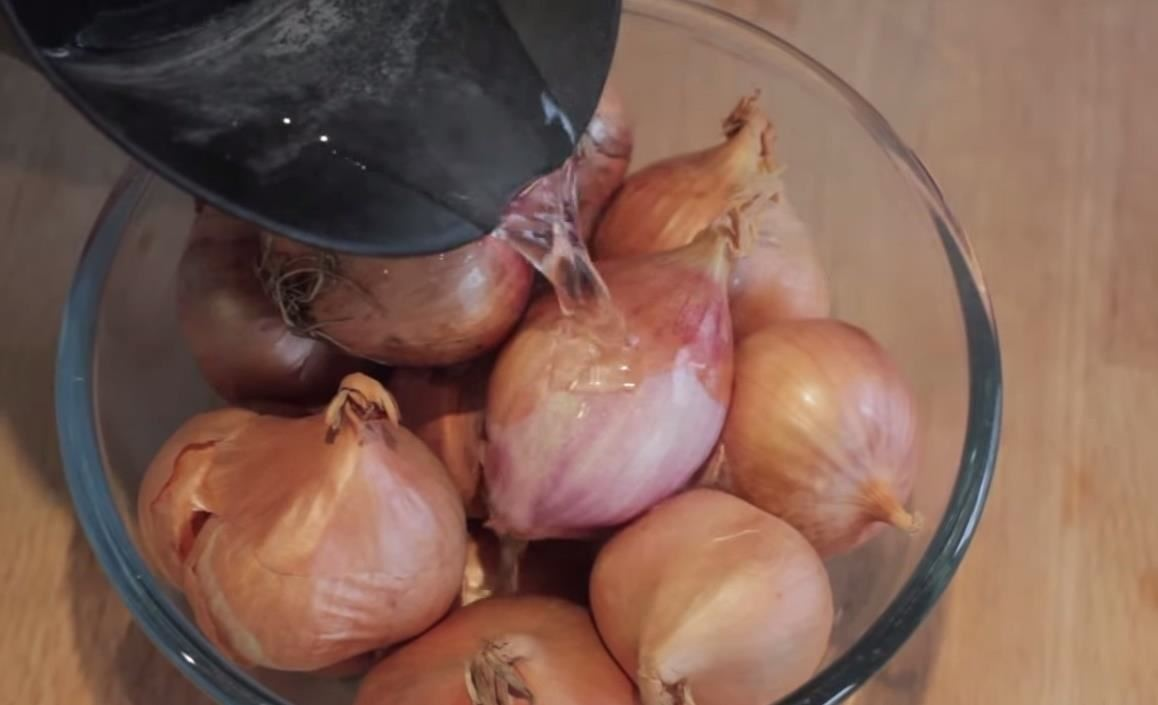 The Secret Trick to Peeling Shallots More Easily
