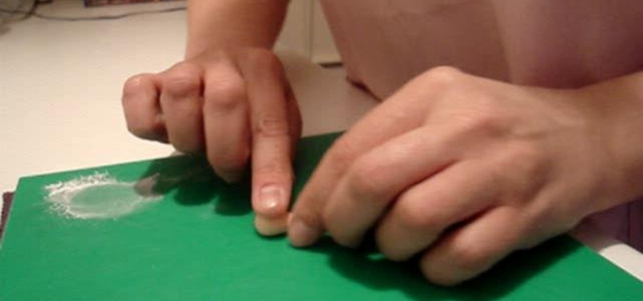 Cake Decorating Figures How To Make : How to Make hands for sugar paste figures in cake ...