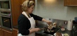 Make steak with stilton & mushroom sauce