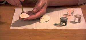 Make realistic gumpaste seashells for cake decorating