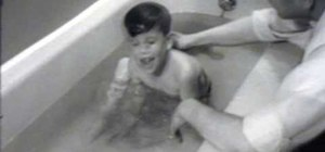 Teach your child to swim in the bathtub