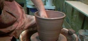Throw a 7 pound flowerpot with Simon Leach