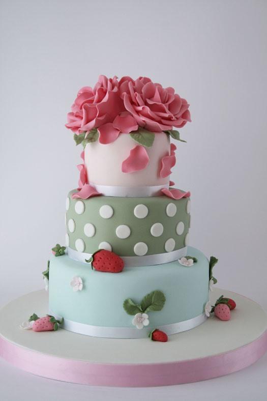 HowTo: Beautiful Gum Paste Roses