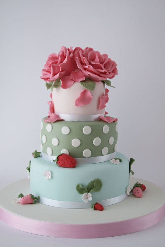 HowTo: Beautiful Gum Paste Roses   CAKES! CAKES! CAKES!