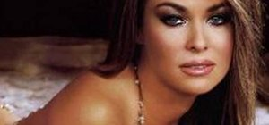 Get Carmen Electra or Playboy playmate smoky eyes