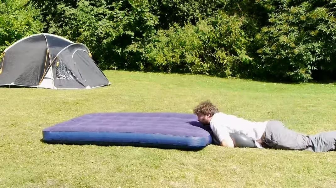 This Hack Makes It Easy to Inflate an Air Mattress Without a Pump