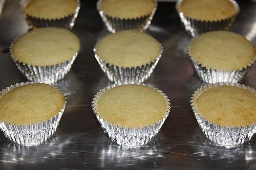 Don T Have A Special Cupcake Pan Here S How To Bake