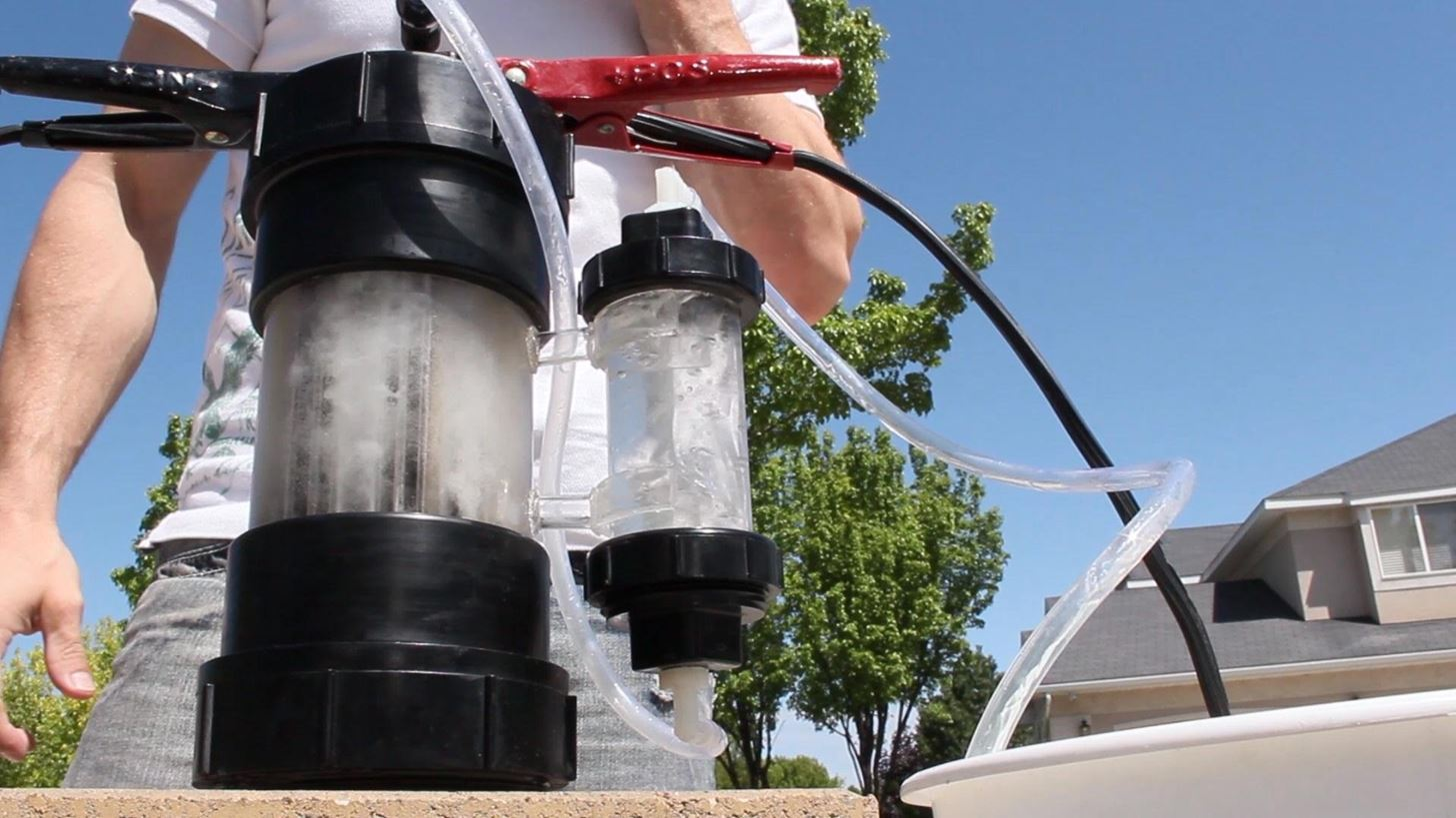 How to Turn Water into Fuel by Building This DIY Oxyhydrogen Generator