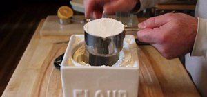 Properly measure flour with a scale