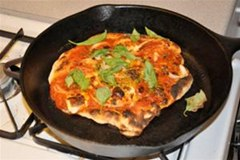 HowTo: Cast Iron Skillet Pizza