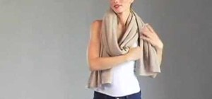 Wear your cashmere travel wrap