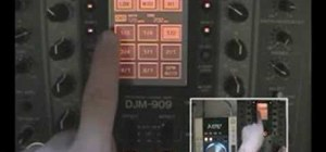 Use effects and other tricks on the Pioneer DJM-909 DJ mixer