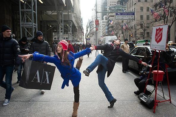 Dancers Among Us: Photo Series Documents Conspicuous Public Dancing