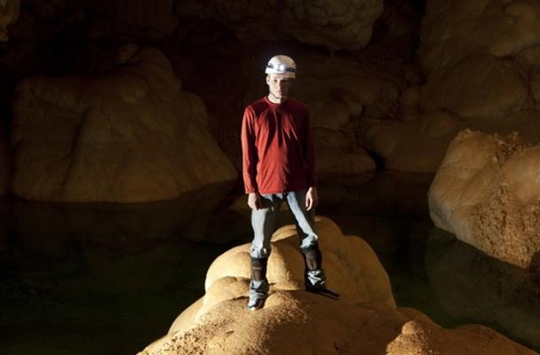"Teenager Invents Technology for Deep ""Cave-Texting"""
