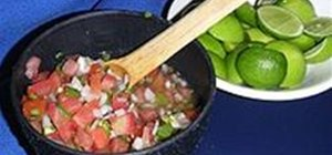 Make Pico De Gallo (Salsa Mexicana)