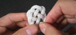 Tie a keyhole weave knot