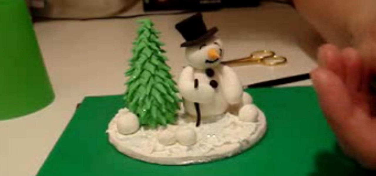 How to make a snowman christmas tree with sugar paste for Make christmas decorations with kids at home