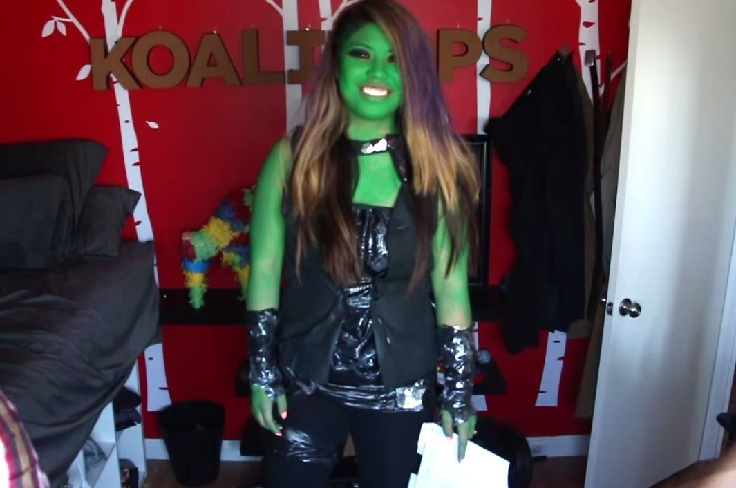 How to Make a Gamora Guardians of the Galaxy Costume for Only $5