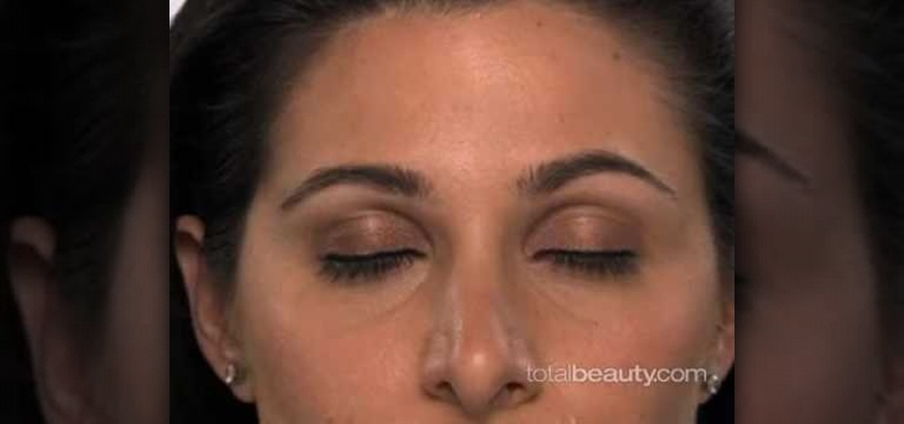 4 Ways to Apply Eye Makeup - wikiHow