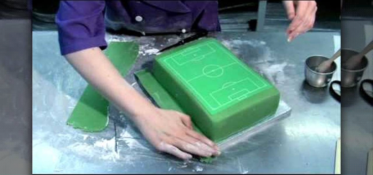 How to Decorate a perfect soccer fieldfootball pitch cake Cake