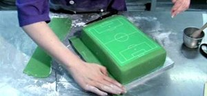 Decorate a perfect soccer field/football pitch cake