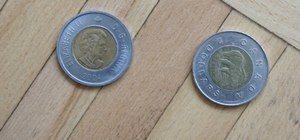 Spot counterfeit toonies (the two-dollar Canadian coin)