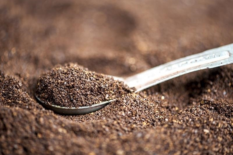 1Coffee Grounds : how-to-remove-odors-from-home - designwebi.com