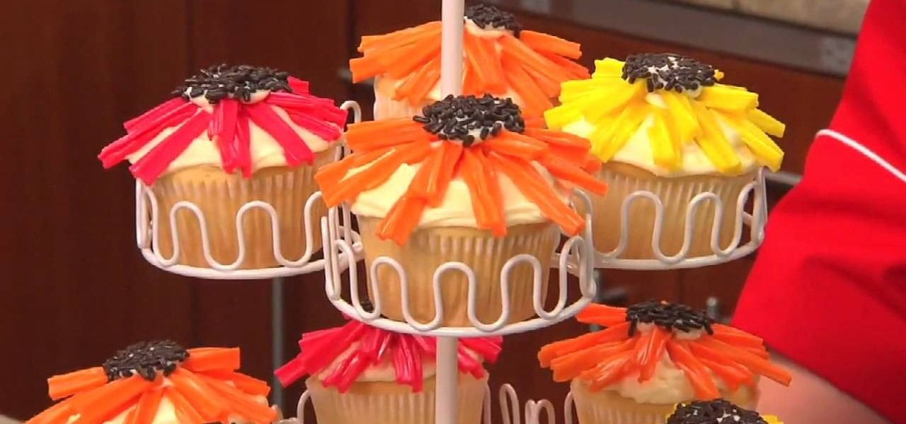 Cupcake Decorating Ideas With Candy : How to Make flower power cupcakes with candy decorations ...