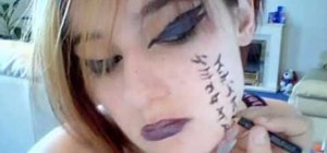Do Visual Kei face theater makeup