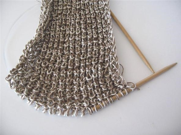How to Knit Straight on a Circular Needle