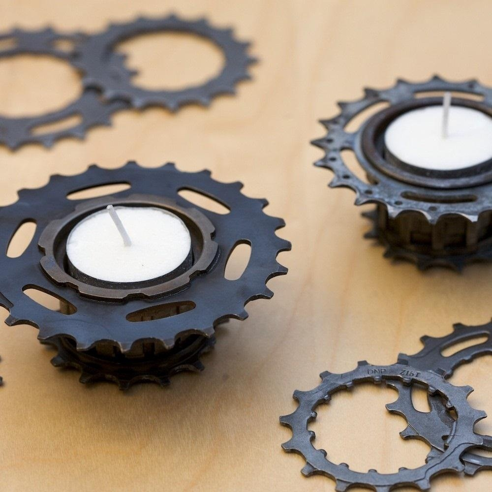 Steampunk your halloween with these creepy steampunk for Bicycle decorations home