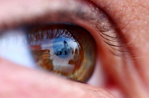 Eye Reflection Photoshop corneal-imaging-photo-process-