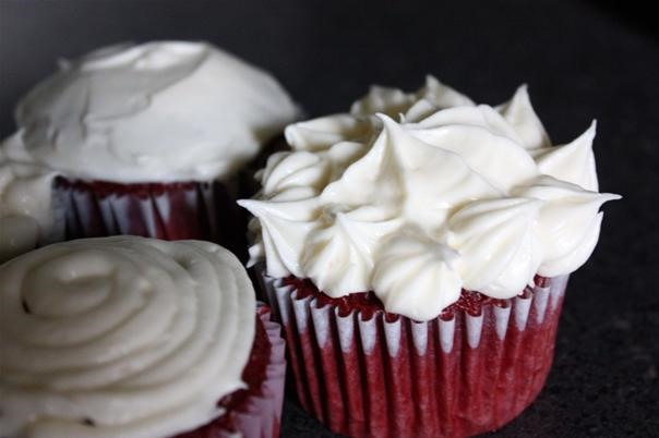 RECIPE: Simple & Delicious Cream Cheese Frosting