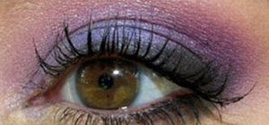 Create purple smoky eyes makeup look