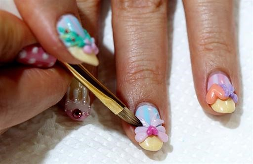 50K Fans Gather For Crowning of Nail Art Queen