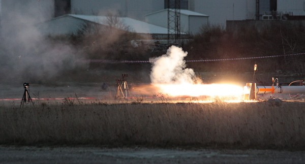 Danes Build Holy Grail of Amateur Rockets