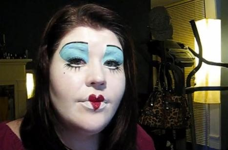 """How to Become an """"Alice in Wonderland"""" Character for Halloween"""