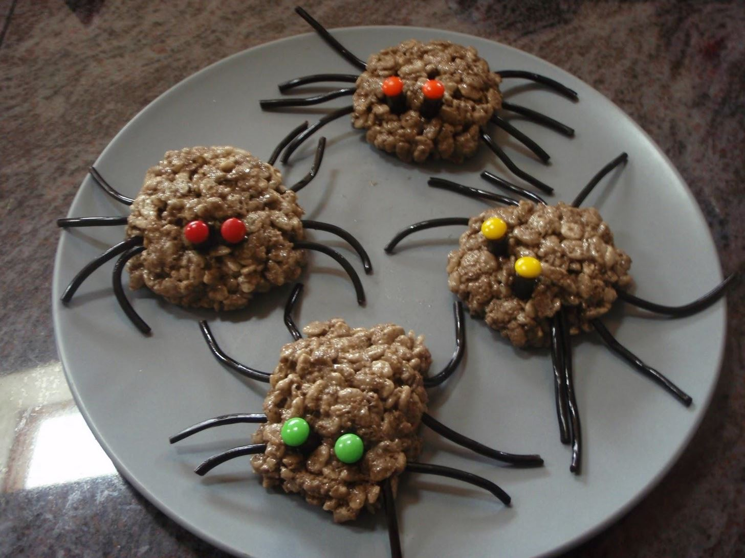 Halloween Food Hacks: Easy Spooktacular Hors D'Oeuvres