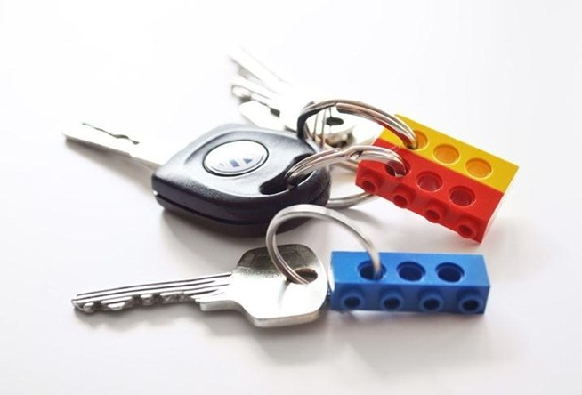 Repurpose your old lego bricks into functional hanging key holder.w654