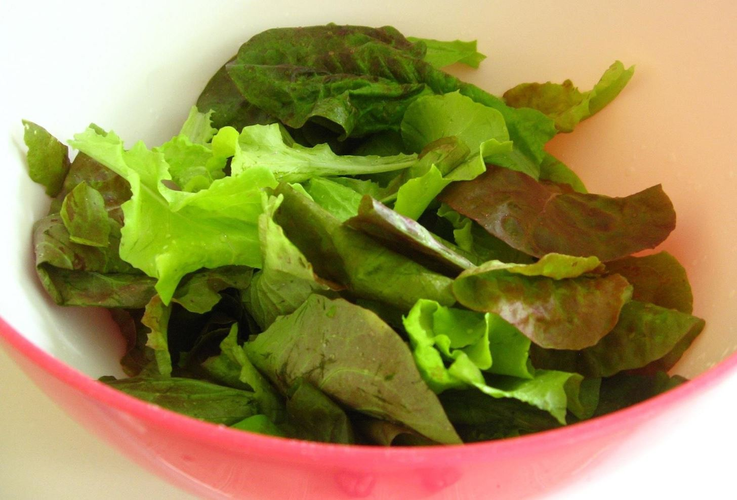 How to Use Up Lettuce & Other Greens Before They Go Bad (Without Making Any Salads)
