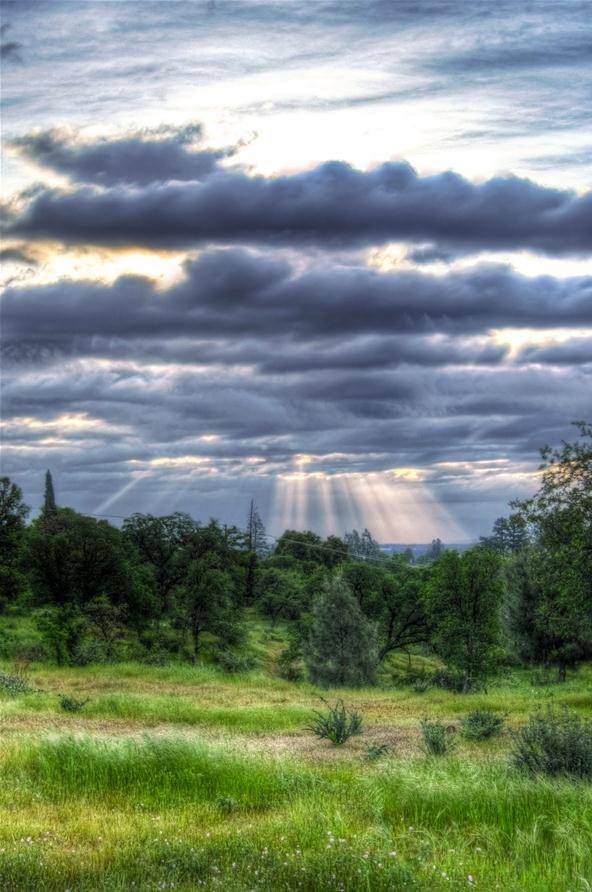 Cloud Photography Challenge: Crepuscular Rays