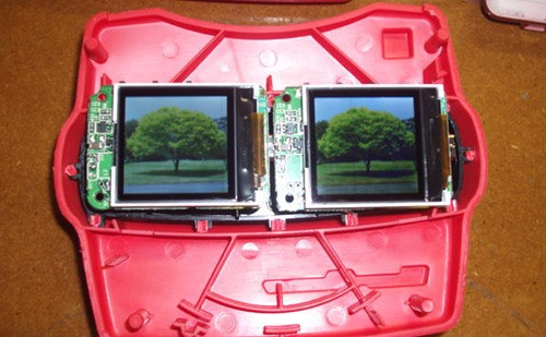 Hacked View-Master Displays Digital Photos in 3D