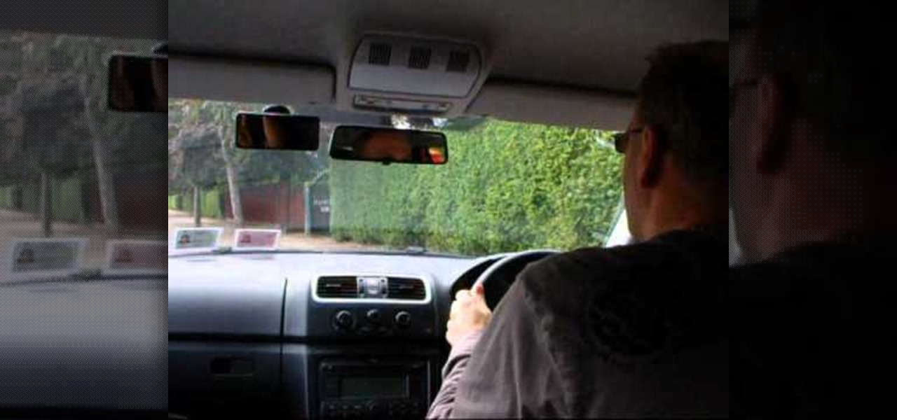 Perform the Right Hand Reverse for Advanced Driving Tests in England