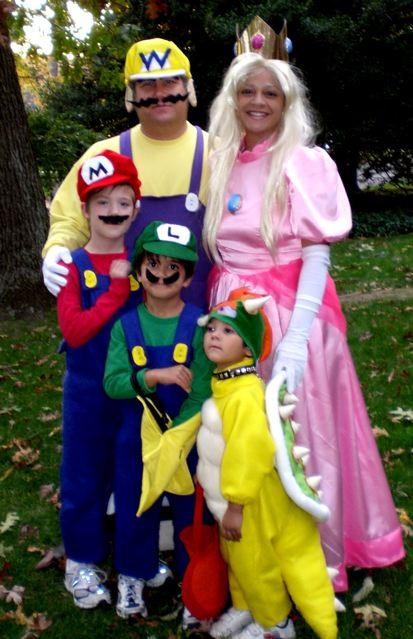 Mariokart Halloween Family